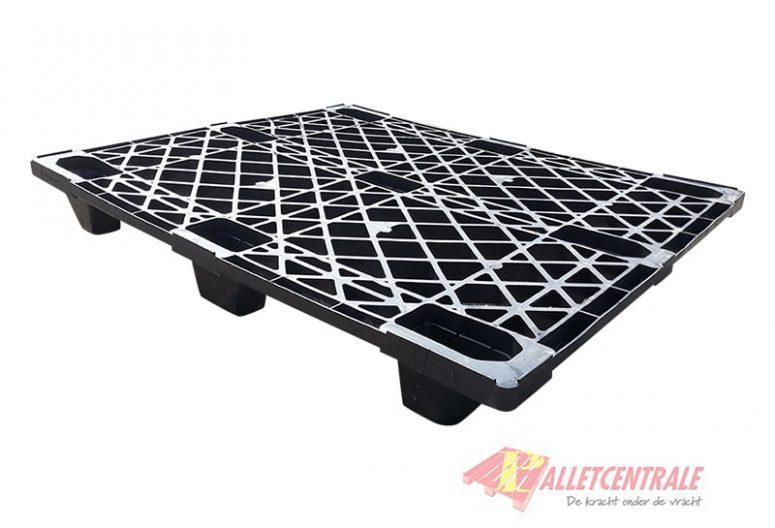 Kunststof pallet nestbaar 100x120cm, gebruikt BZ