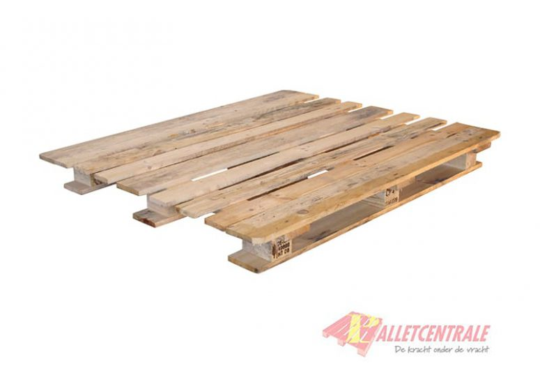 CP4 pallet 110X130cm, reconditioned