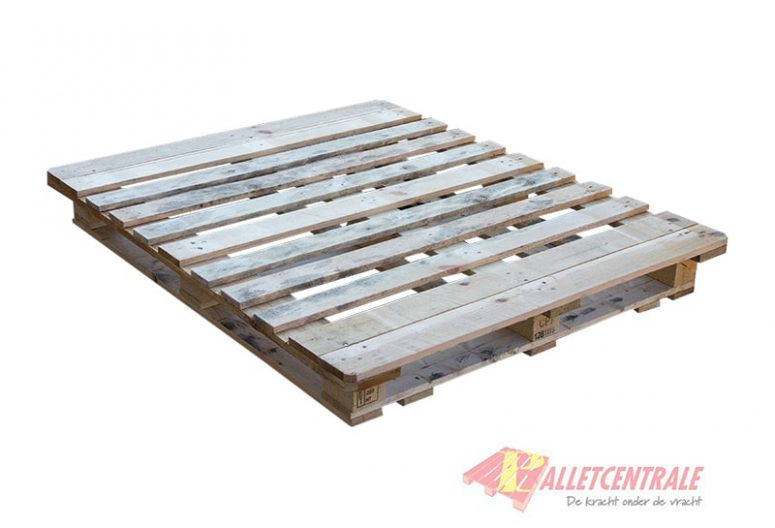 CP7 pallet 110X130cm, reconditioned