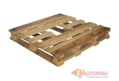 CP8 pallet 114X114cm, reconditioned