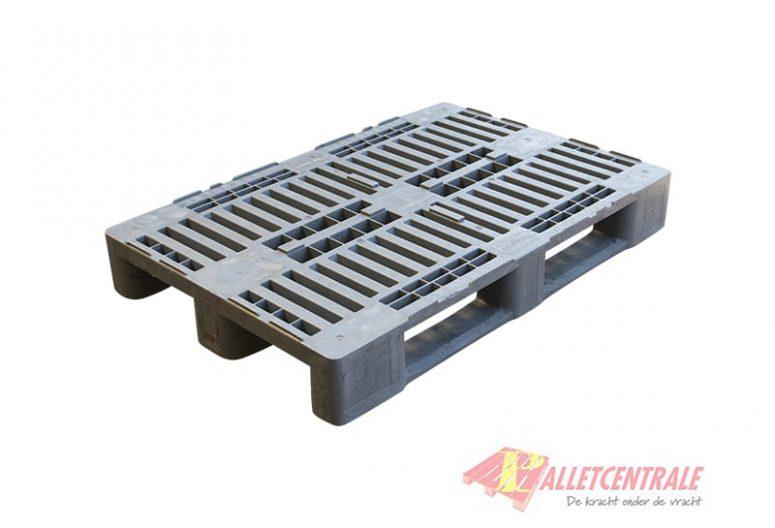 Kunststof hygiene pallet H1 80x120cm, gebruikt BZ - bewerkt