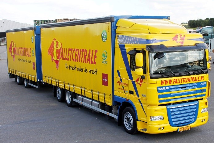 Vrachtwagen Palletcentrale schuin voorzijde