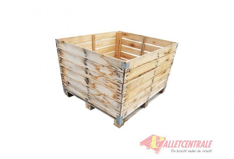 Houten kist 120 x 106 x 76cm gebruikt voorzijde
